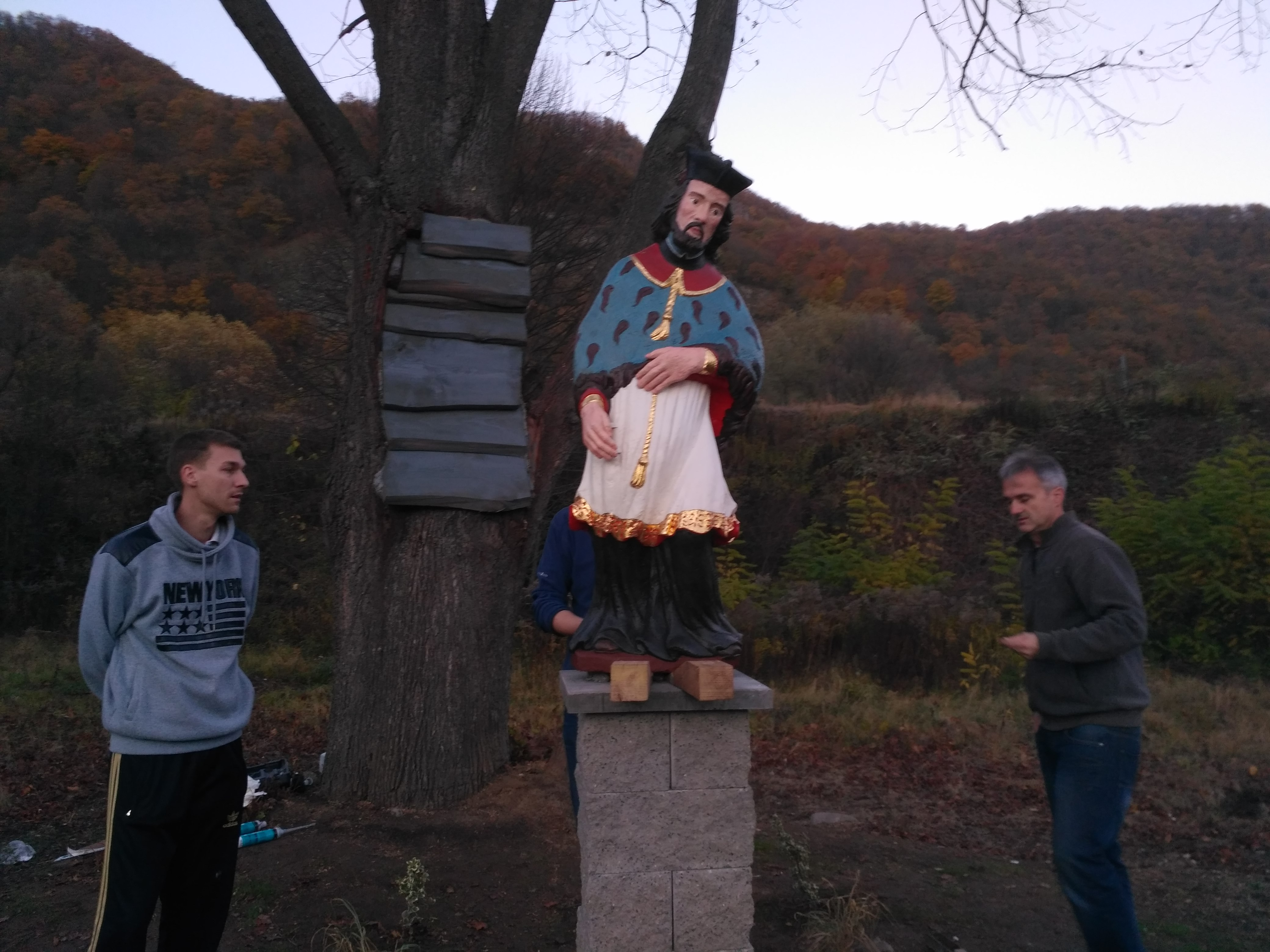 osádzanie sochy